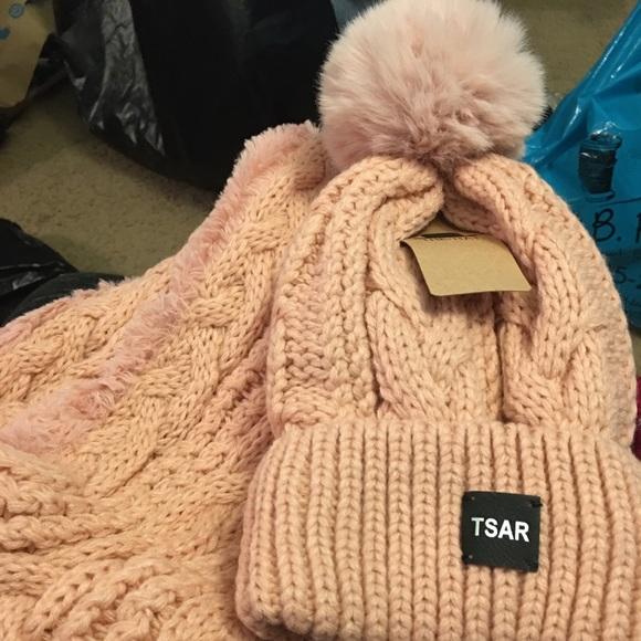 Tsar Accessories - Tsar Hat and Scarf Set
